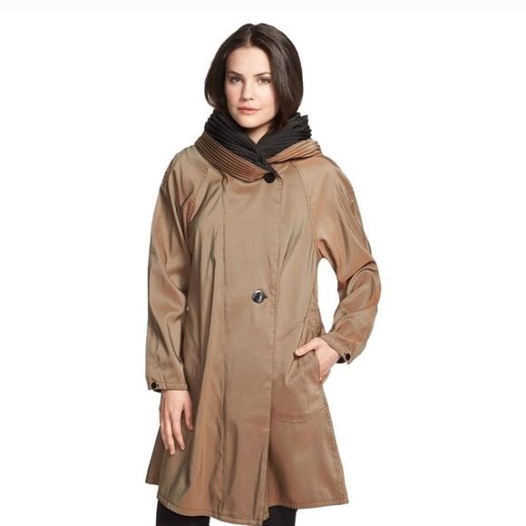 MYCRA PAC Rain Coat in Bronze / Black